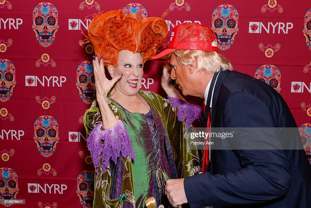 Bette Midler's Annual Hulaween Bash Celebrating The New York Restoration Project - Arrivals : News Photo