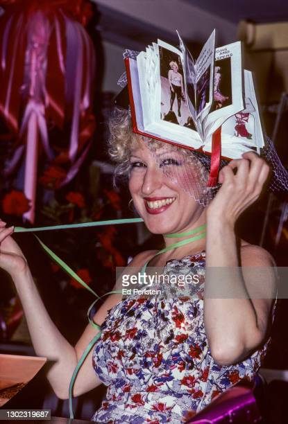 Bette Midler poses during a book signing in San Francisco, California on July 12, 1980.