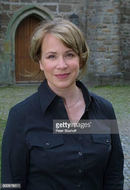 Bettina Kupfer Portrait ARDFilm Dem Himmel sei Dank alter Titel Carlas Sieg Kloster Oelinghausen Sauerland Porträt Schauspieler Schauspielerin Promi...