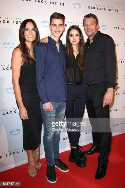 Bettina Zimmermann Benjamin Stein Luise Belfort and Kai Wiesinger playing the family at series attends the photo call of the 'Der Lack ist ab' at...
