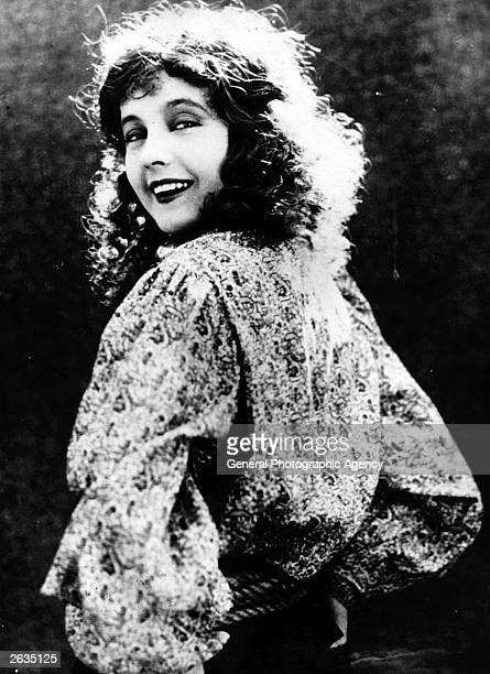 Betty Bronson the British silent screen actress who was selected by J M Barrie to play the part of Peter Pan She failed to make the transition to...
