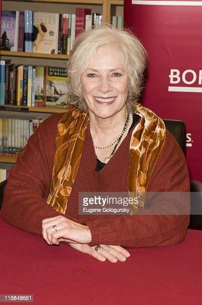 Betty Buckley Signs Autographs at Borders in New York City on February 14 2008
