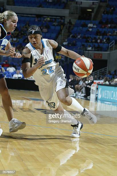 Betty Lennox of the Cleveland Rockers drives against the New York Liberty during the WNBA game at Gund Arena on May 31 2003 in Cleveland Ohio The...
