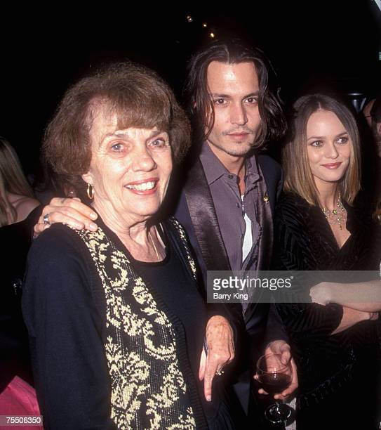 Betty Sue Palmer , Johnny Depp and Vanessa Paradis at the Mann Chinese Theatre in Hollywood, California
