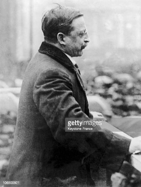 Between 1918 And 1922 The Leader And Founder Of The Sinn Fein Arthur Griffith Pronounces A Speech In Front Of The Green College Of Dublin Following...