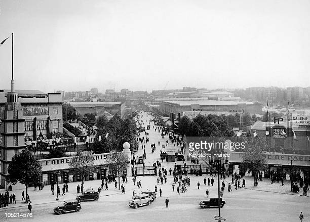 Between 1920 And 1939, The Paris Fair Situated At The Porte De Versailles Is A Huge Success With The Public.