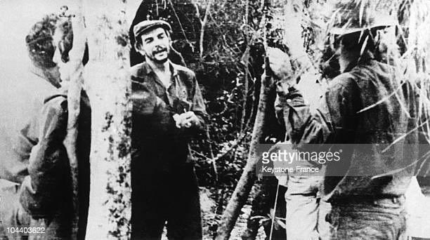 Between 1965 and 1967 Che GUEVARA in a forest in Bolivia He was at that time leading a guerilla movement against the Bolivian authorities