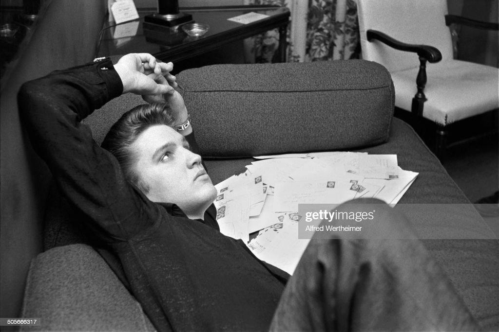 Alfred Wertheimer/Getty Images) Between Shows, American Musician (and  Actor) Elvis