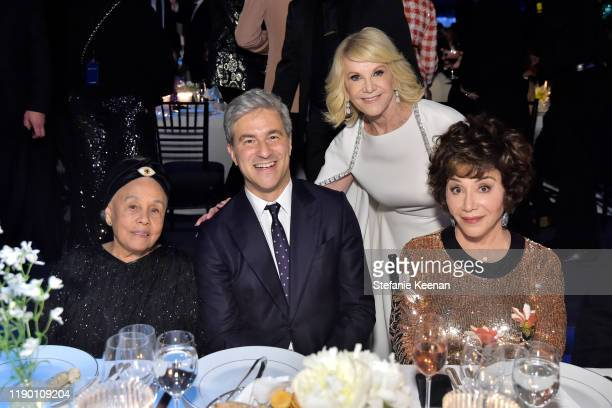 Betye Saar LACMA CEO Director Michael Govan both wearing Gucci Elaine Wynne and LACMA Trustee Lynda Resnick attend the 2019 LACMA Art Film Gala...