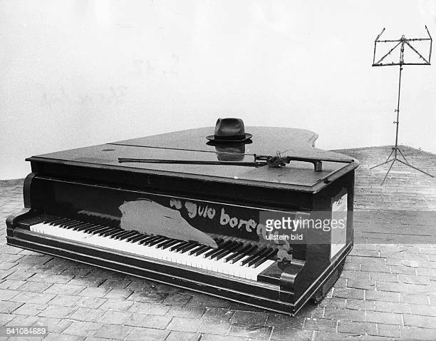 joseph beuys stock photos and pictures getty images. Black Bedroom Furniture Sets. Home Design Ideas