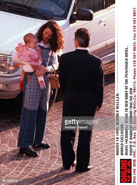 8/18/95 Beverly Hills Andie Macdowell And Her New Baby Leaves The Pennisula Hotel In Beverly Hills