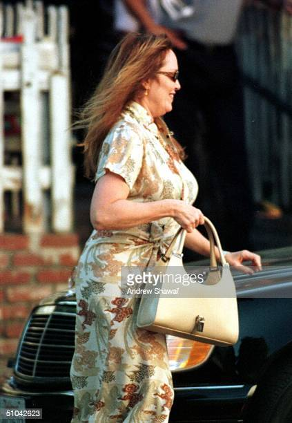 02/03/00 Beverly Hills Ca An Overweight Catherine Bach Who Played Daisy Duke On The Show Dukes Of Hazzard Leaving The Ivy Restaurant