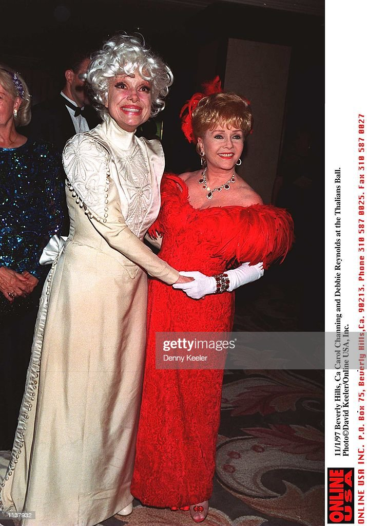 11/1/97 Beverly Hills, CA Carol Channing and Debbie Reynolds at the Thalians Ball. : News Photo