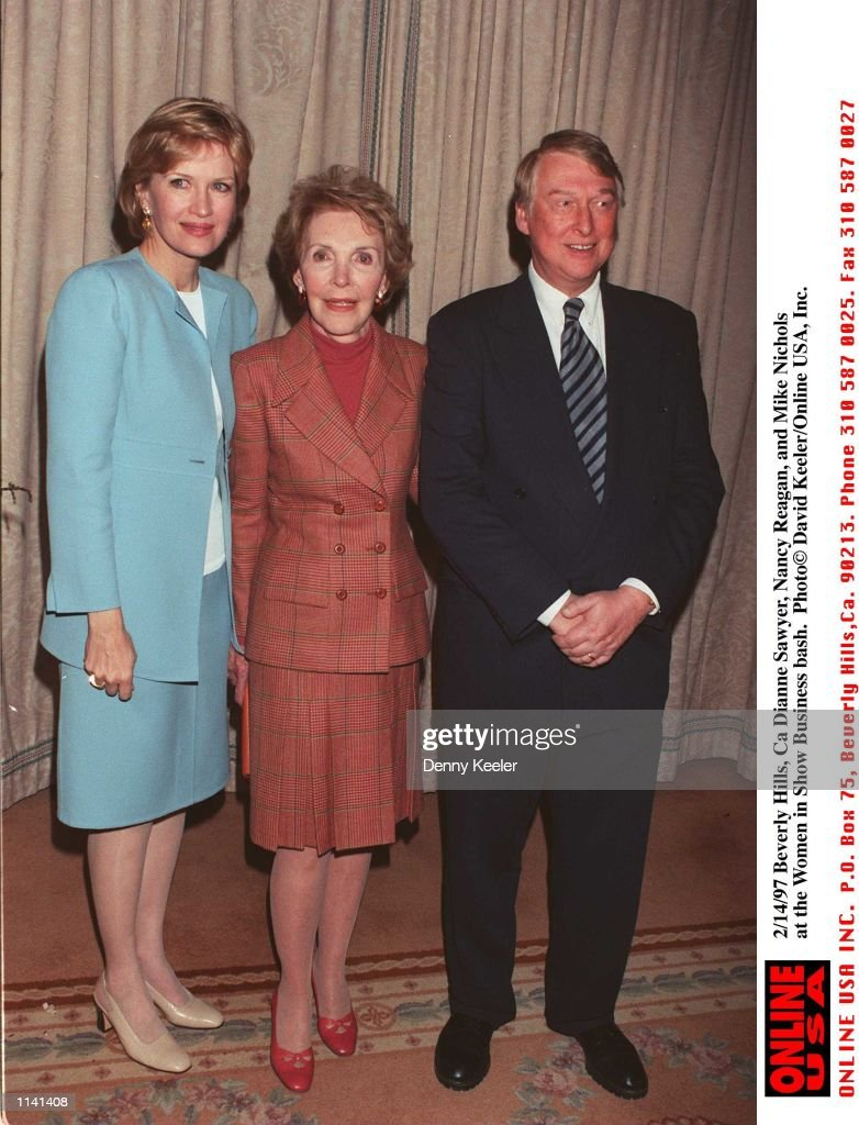 2/14/97 Beverly Hills, Ca Dianne Sawyer, Nancy Reagan, and Mike Nichols at the Women in Show Busines : Fotografía de noticias