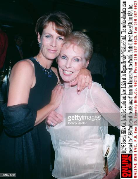 Beverly Hills CA Jamie Lee Curtis and Janet Leigh at the Regent Beverly Wilshire Hotel The motherdaughter team received the 1998 Pantheon of the Arts...