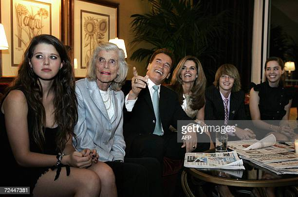 Beverly Hills, UNITED STATES: California Governor Arnold Schwarzenegger, his wife Maria Shriver , his mother in law Eunice Kennedy Shriver and...