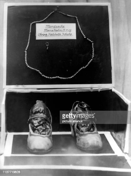Ohrring Halskette und Schuhe Am 22 April 1931 wurde Peter Kürten wegen Mordes in neun Fällen und weiteren Delikten vom Düsseldorfer Schwurgericht zum...