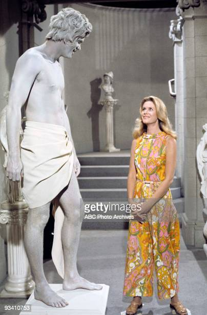 BEWITCHED 'Bewitched Bothered and Baldoni' 10/13/71 Season 8 In Rome Endora brings a statue of Venus to life to tempt Darrin ELIZABETH MONTGOMERY