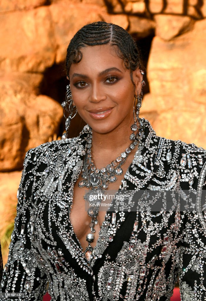 """Premiere Of Disney's """"The Lion King"""" - Red Carpet : News Photo"""