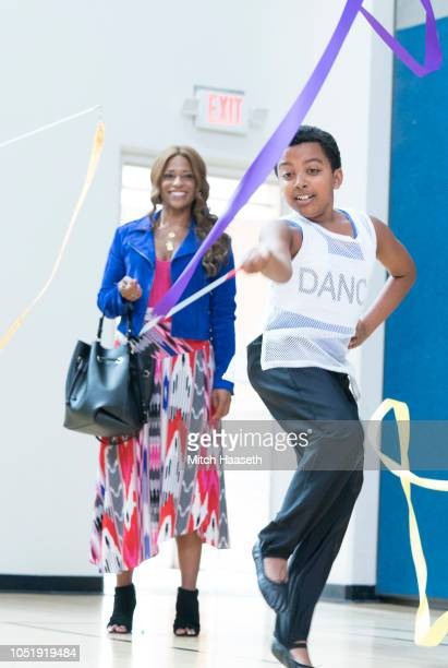 PARENTS Beyoncé Circa Lemonade After scolding Miggy for not being able to sleeptrain baby Jack Angie and Douglas engage in a competition to see who...