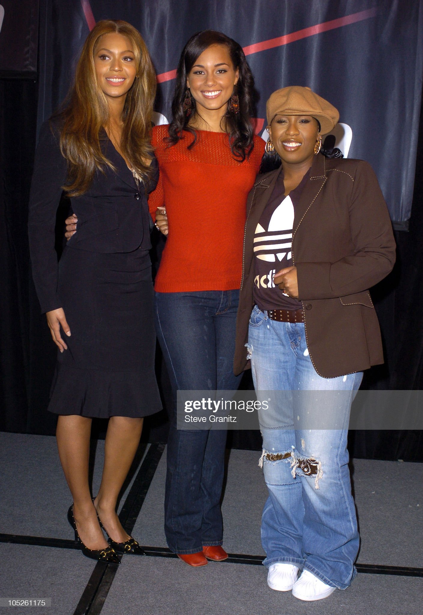 ¿Cuánto mide Alicia Keys? - Altura - Real height Beyonce-and-alicia-keys-and-missy-elliott-during-beyonce-alicia-keys-picture-id105261175?s=2048x2048