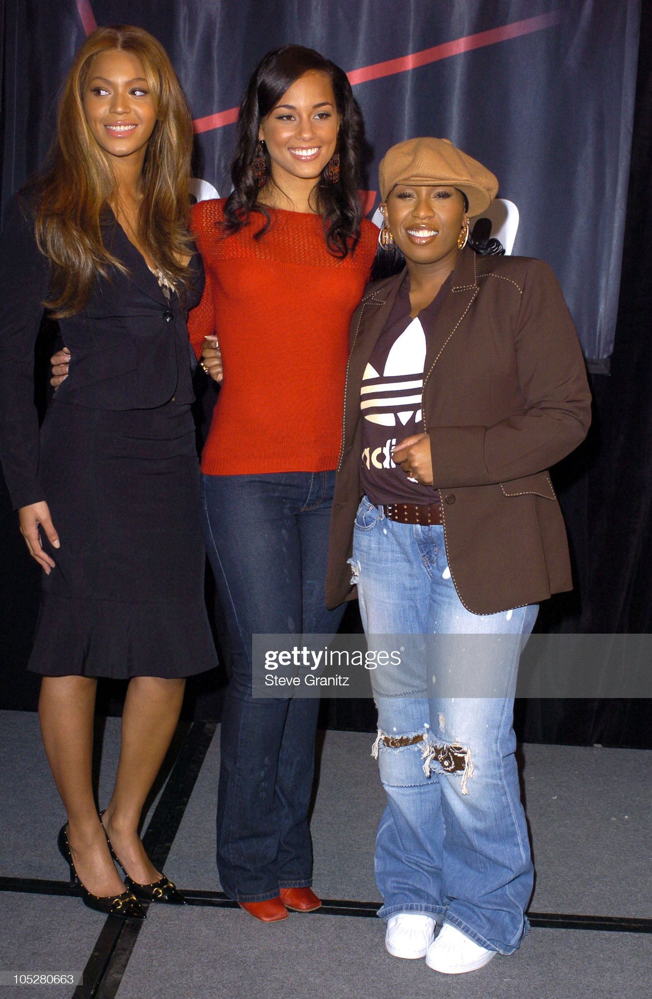 ¿Cuánto mide Alicia Keys? - Altura - Real height Beyonce-and-alicia-keys-and-missy-elliott-during-beyonce-alicia-keys-picture-id105280663?s=2048x2048