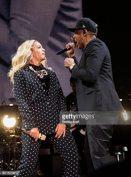Beyonce and Jay Z perform at a concert for Democratic Presidential candidate Hillary Clinton November 4 2016 in Cleveland OH
