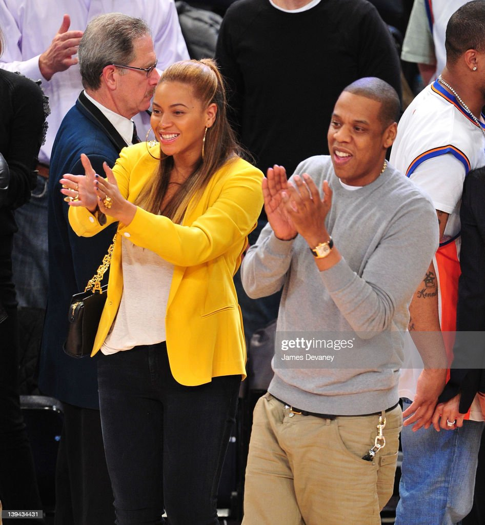 sports shoes c9592 883b1 Beyonce and Jay-Z attend the New Jersey Nets vs New York ...