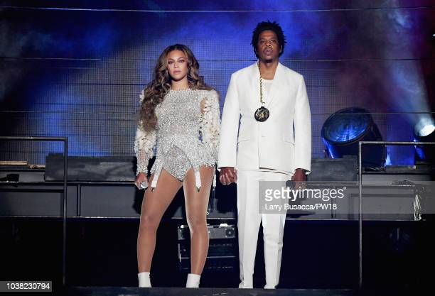 Beyonce and JAYZ perform onstage during the 'On The Run II' Tour at Rose Bowl on September 22 2018 in Pasadena California