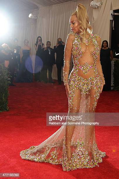 "Beyonce arrives at ""China: Through The Looking Glass"" Costume Institute Benefit Gala at the Metropolitan Museum of Art on May 4, 2015 in New York..."