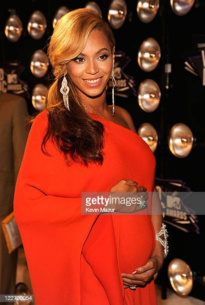 Beyonce arrives at the The 28th Annual MTV Video Music Awards at Nokia Theatre LA LIVE on August 28 2011 in Los Angeles California