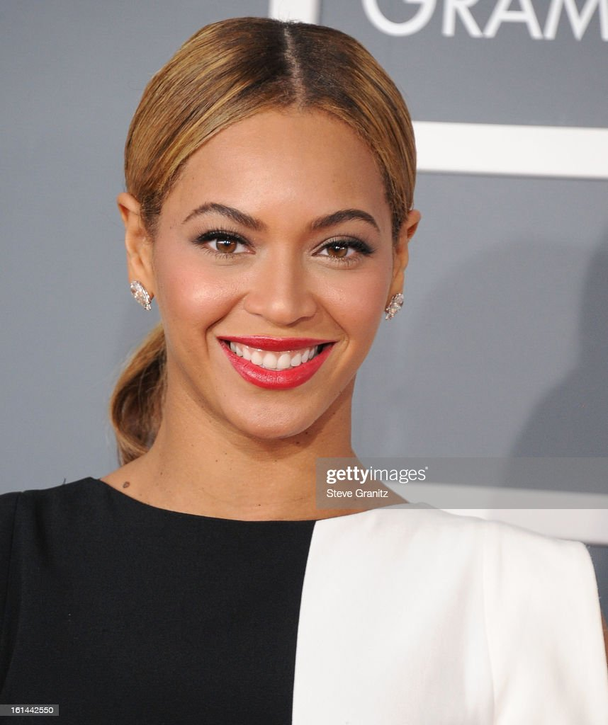 Beyonce arrives at the The 55th Annual GRAMMY Awards on February 10, 2013 in Los Angeles, California.