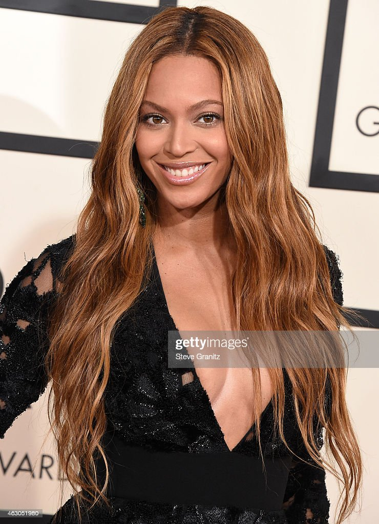 The 57th Annual GRAMMY Awards - Arrivals : News Photo