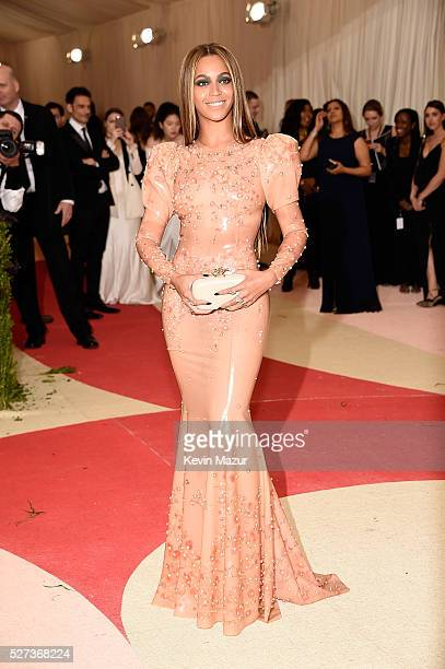 Beyonce attends 'Manus x Machina Fashion In An Age Of Technology' Costume Institute Gala at Metropolitan Museum of Art on May 2 2016 in New York City