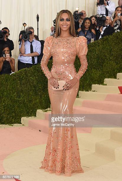 """Beyonce attends the """"Manus x Machina: Fashion In An Age Of Technology"""" Costume Institute Gala at Metropolitan Museum of Art on May 2, 2016 in New..."""