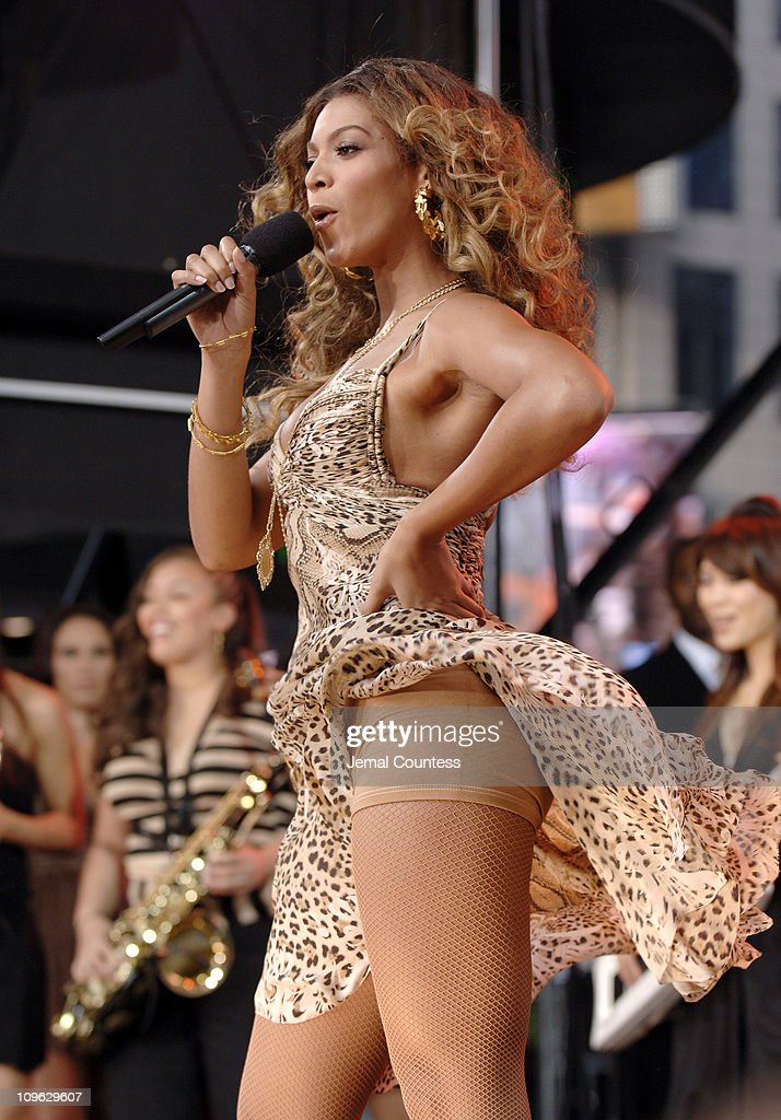 "Beyonce performs on ABC's ""Good Morning America"" - September 8, 2006 : News Photo"