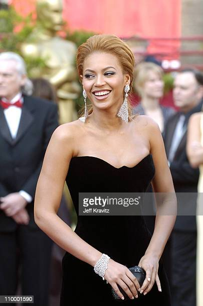 Beyonce during The 77th Annual Academy Awards - Arrivals at Kodak Theatre in Los Angeles, California, United States.