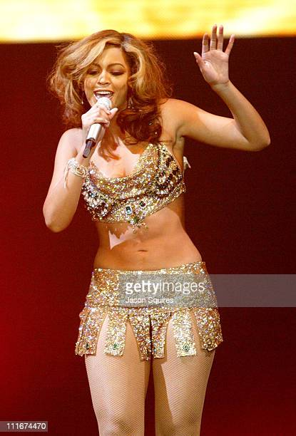 Beyonce during Verizon Ladies First Tour in Chicago on April 2 2004 at Allstate Arena in Rosemont Illinois United States