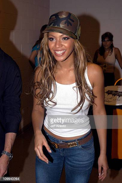 Beyonce during VH1 Divas Duets: A Concert to Benefit the VH1 Save the Music Foundation - Backstage at MGM Grand in Las Vegas, Nevada, United States.