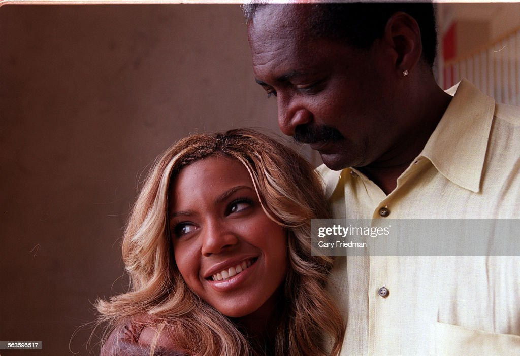 Beyonce Knowles (lead singer, key somgwriter) and her father Mathew Knowles (manager) of the pop tri : News Photo