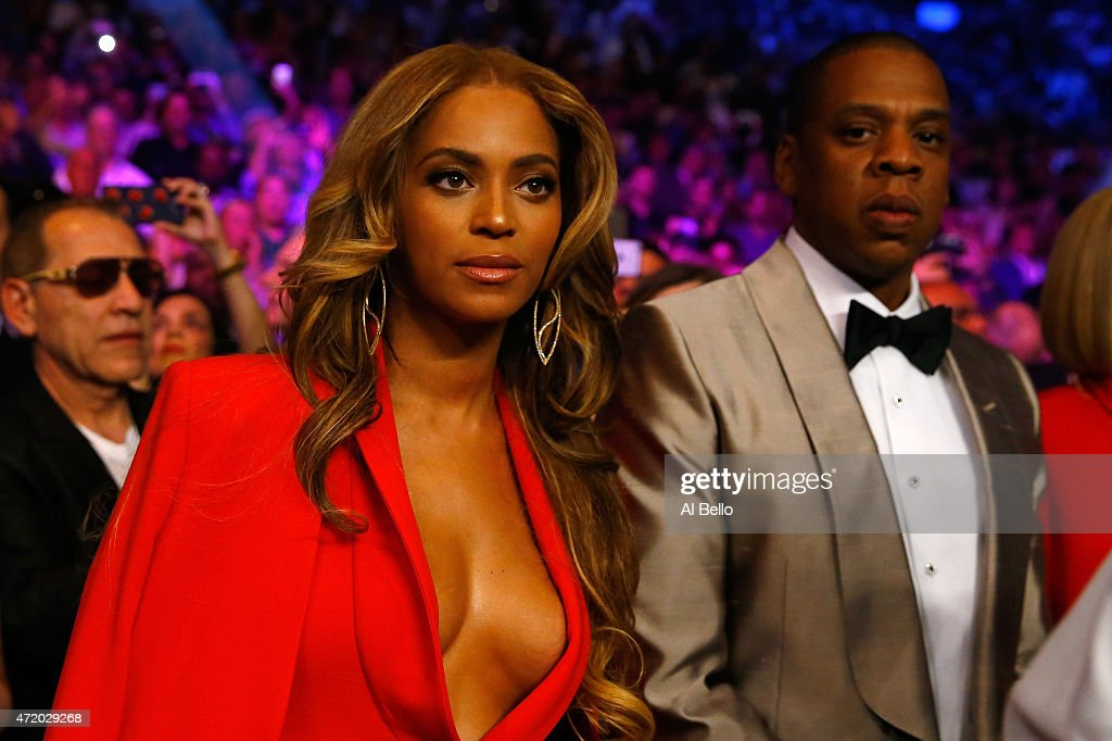 Beyonce Knowles and Jay-Z attend the welterweight unification championship bout on May 2, 2015 at MGM Grand Garden Arena in Las Vegas, Nevada.