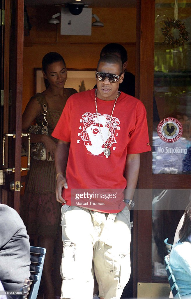 Beyonce Knowles and Jay-Z Sighting at Bar Pitti Resturant in SOHO - June 11, 2006 : News Photo