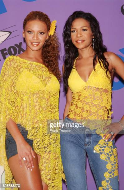 Beyonce Knowles and Michelle Williams of Destiny's Child at The Teen Choice Awards 2001