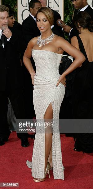Beyonce Knowles arrives for the 66th Annual Golden Globe Awards in Beverly Hills California US on Sunday Jan 11 2009 Heath Ledger received a...