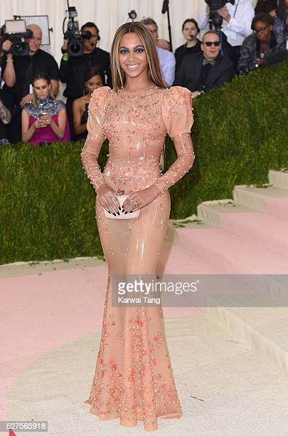 Beyonce Knowles arrives for the 'Manus x Machina Fashion In An Age Of Technology' Costume Institute Gala at Metropolitan Museum of Art on May 2 2016...