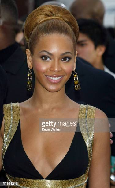 Beyonce Knowles arrives to the 47th Annual Grammy Awards at the Staples Center February 13 2005 in Los Angeles California