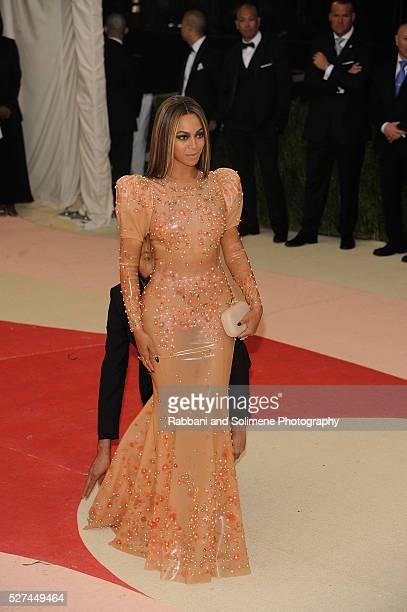 Beyonce Knowles attends Manus x Machina Fashion In An Age Of Technology Costume Institute Gala at
