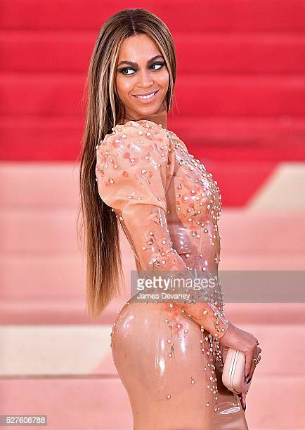 Beyonce Knowles attends 'Manus x Machina Fashion in an Age of Technology' Costume Institute Gala at Metropolitan Museum of Art on May 2 2016 in New...