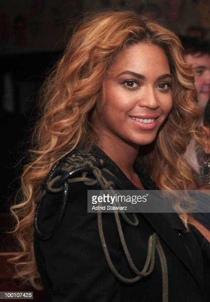 """Beyonce Knowles attends the post-theater reception for """"FELA!"""" at The Palm West on May 20, 2010 in New York City."""