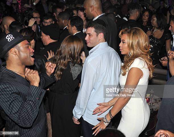 "Beyonce Knowles dancing at the Lorraine Schwartz ""2BHAPPY"" Launch Event held at Lavo"